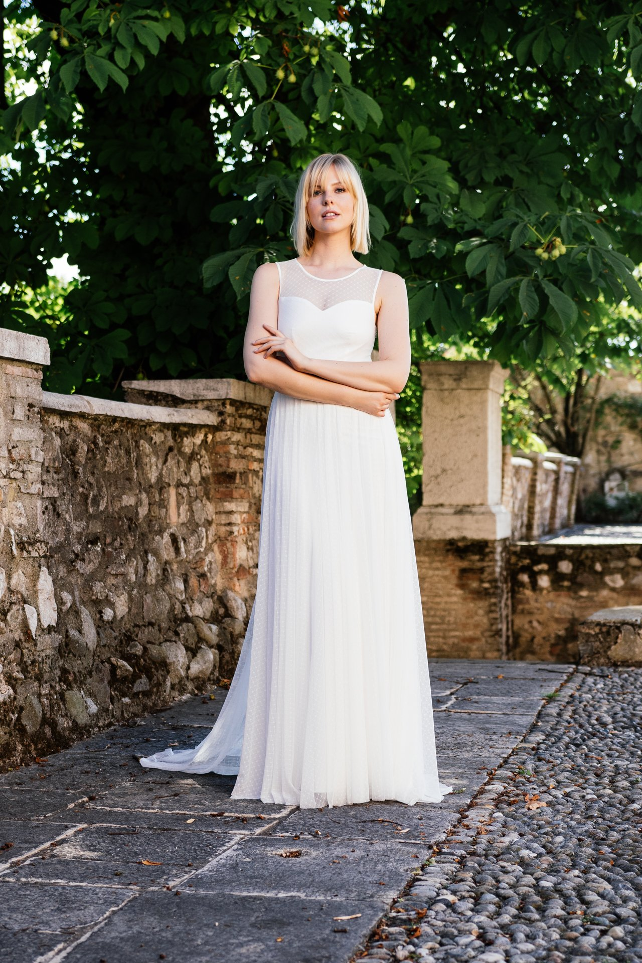 Schönes Brautkleid mit Punkten - Schlicht und besonders durch ...