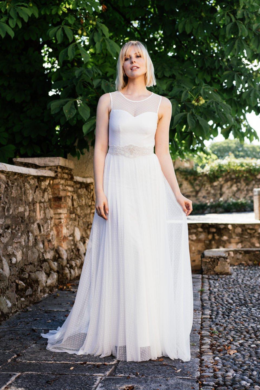 Schönes Brautkleid schlicht
