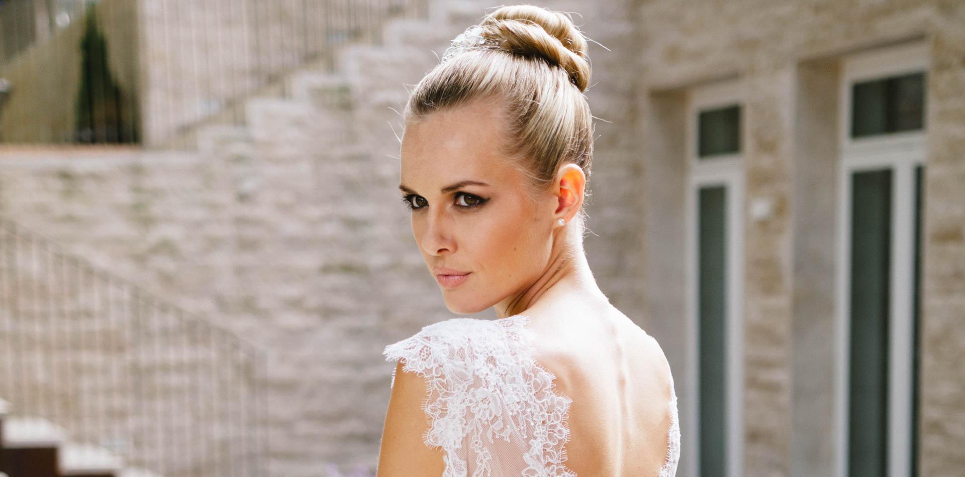 Sexy Brautkleid – tiefe Spitzencorsage & 3/4 Tüllrock – Zoe