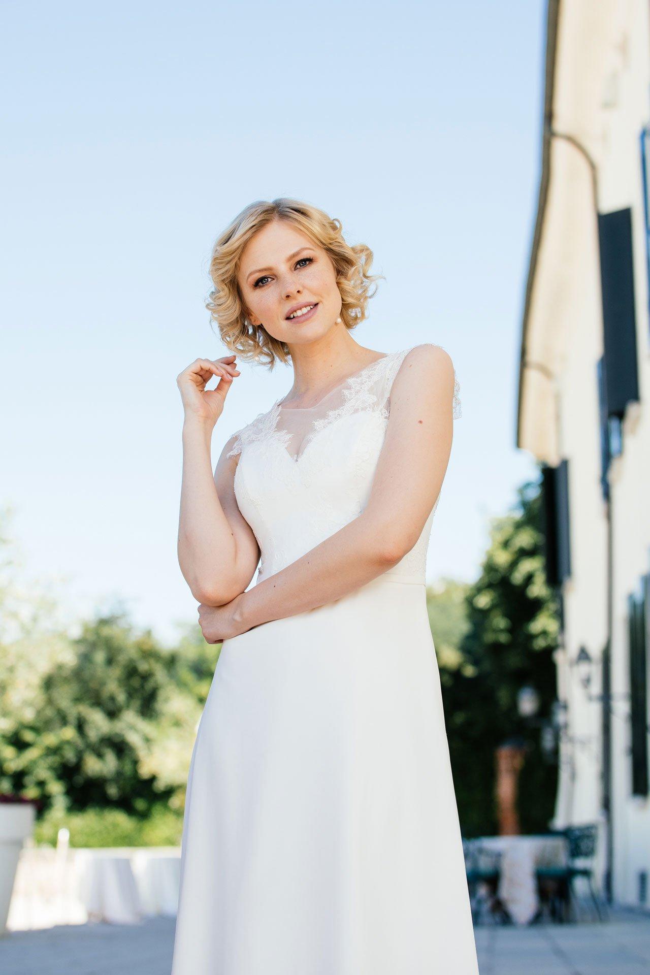 Sexy Brautkleid - tiefe Spitzencorsage mit Herzausschnitt