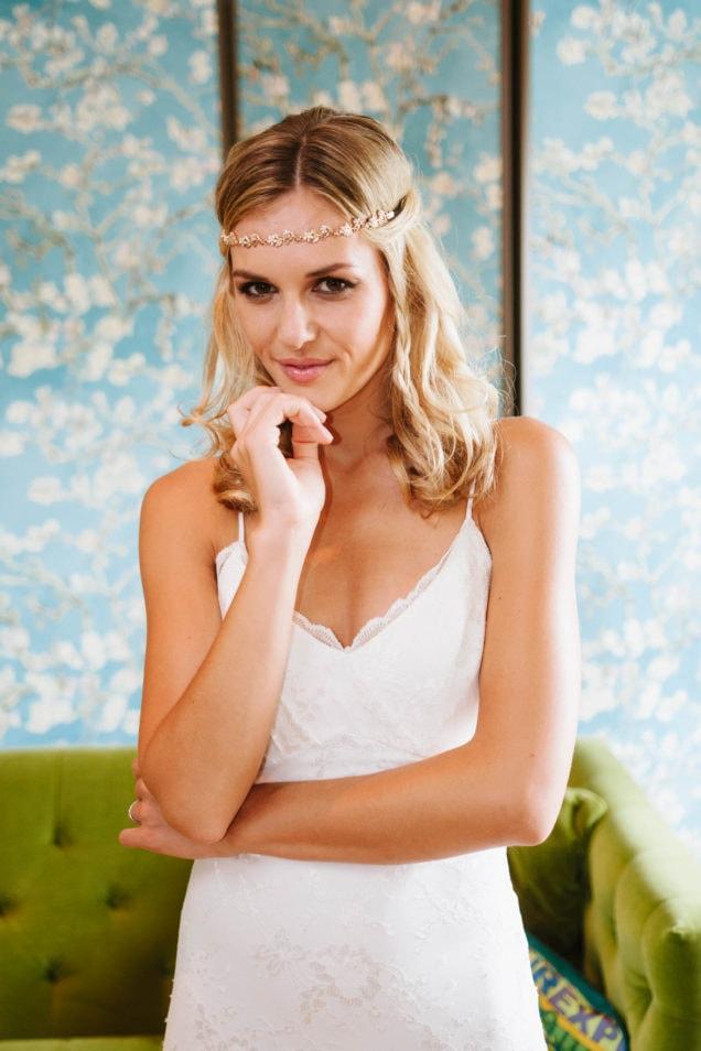 Vintage Brautkleid mit Spaghettiträgern und zarter Spitze