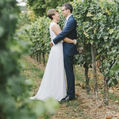 Hochzeit in den Weinbergen – natürlich, schlicht und wunderschön!