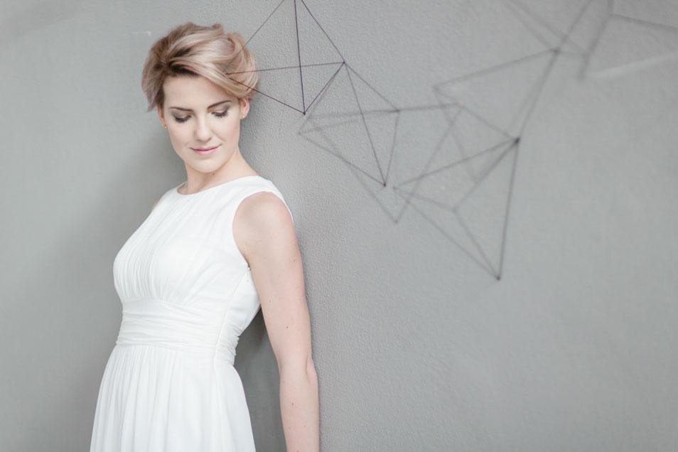 Brautkleid clean elegant fließend