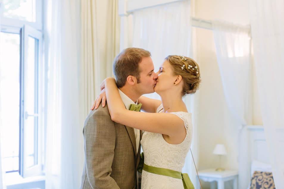 verbotener Kuss vor der Hochzeit ;-)