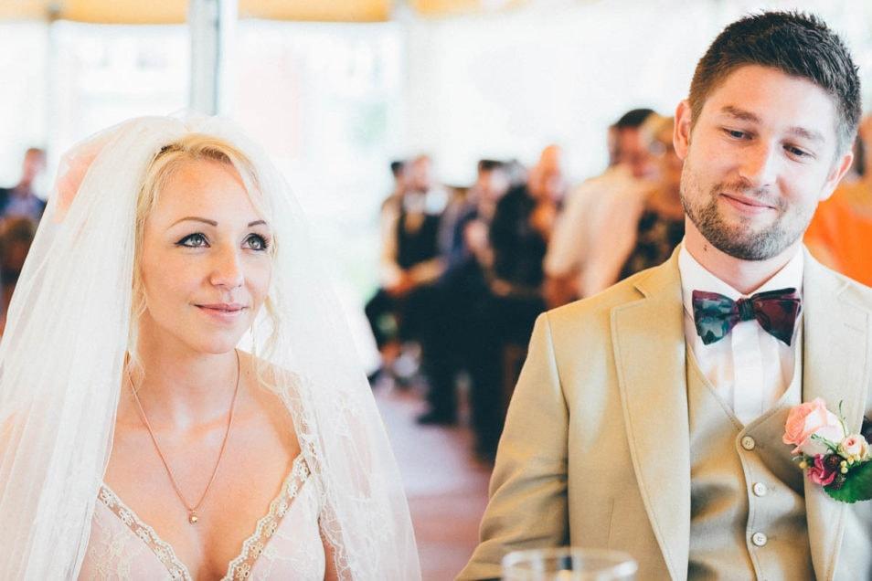 Braut und Bräutigam vor dem Ja-Wort