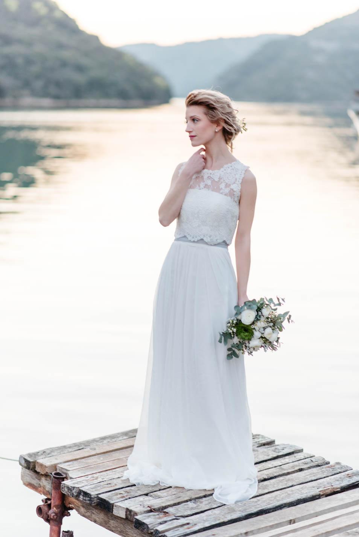 Brautkleid schlicht kombiniert mit Bolero