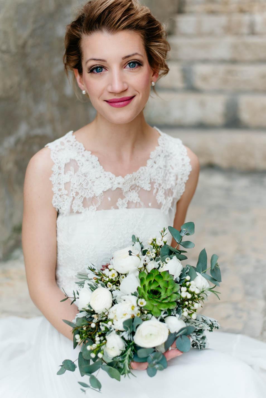 Braut mit wundervollen Augen