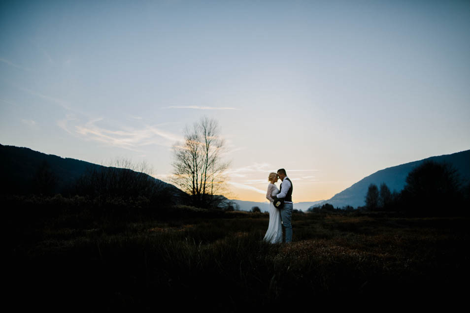 romantische Aufnahme Brautpaar