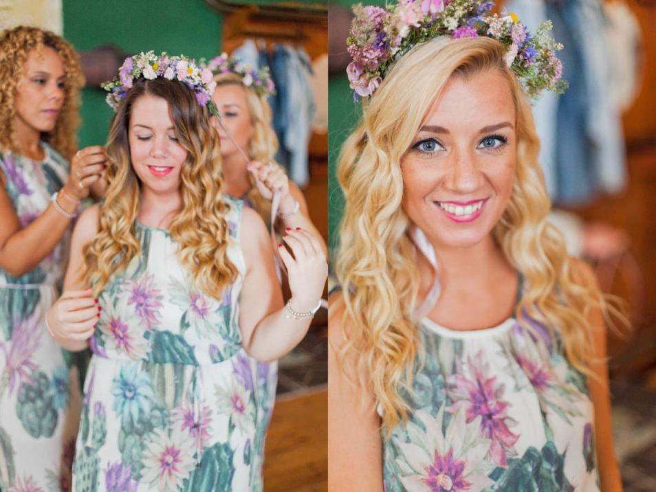 Brautjungfern mit Blumen Haarschmuck