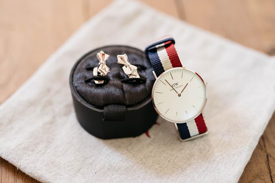 Uhr uns Manschettenknöpfe für Bräutigam