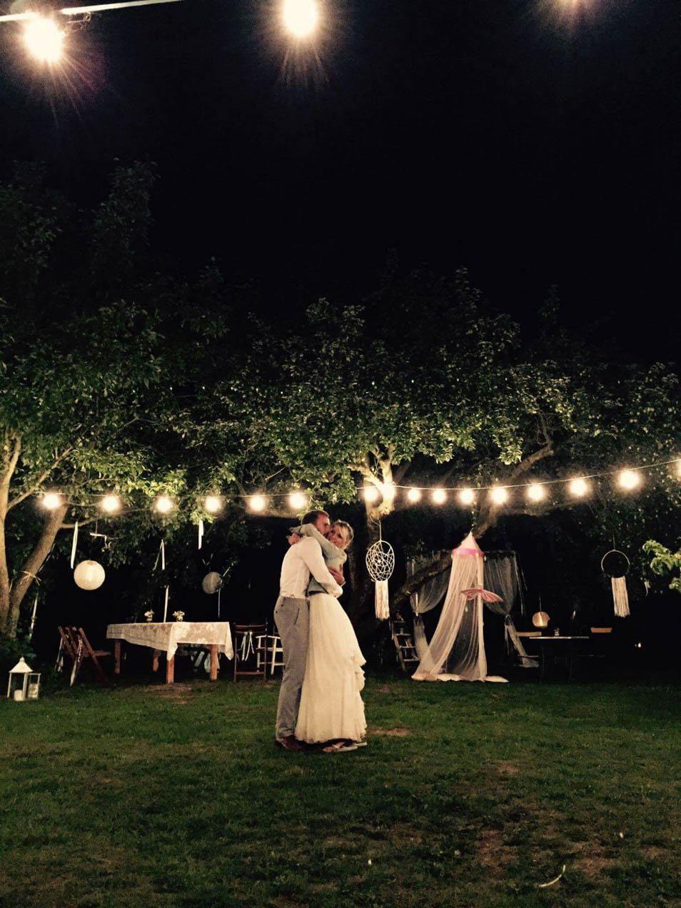Hochzeitsparty in der Nacht