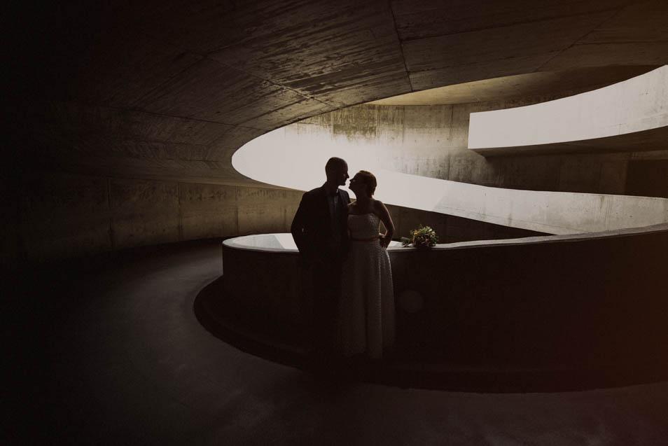 Brautpaar im Parkhaus