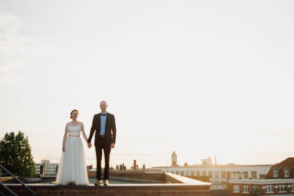 Brautpaar über den Dächern Leipzigs