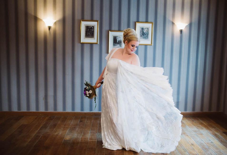 Brautkleid Übergröße mit viel Spitze
