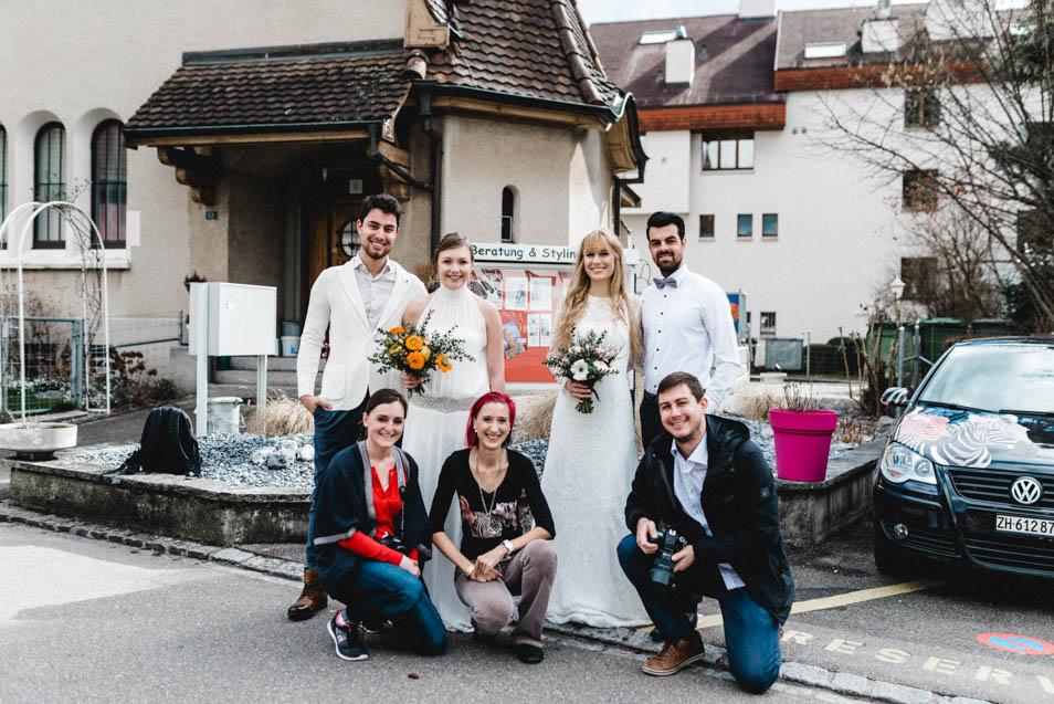 Unsere zwei Brautkleider in Zürich, hier mit dem ganzen Fotoshoot-Team!