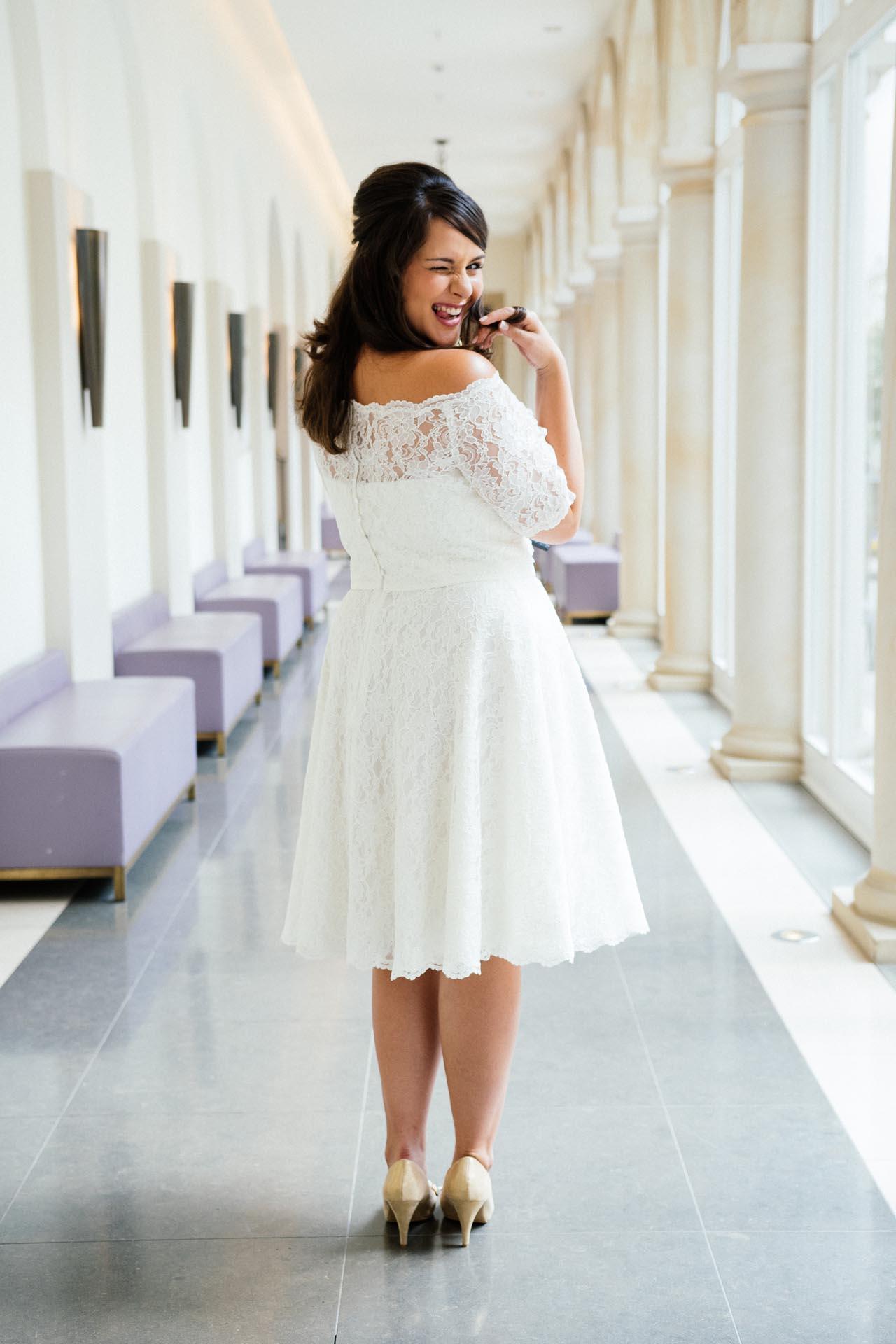 Brautkleider große Größen - moderne Hochzeitskleider in 48