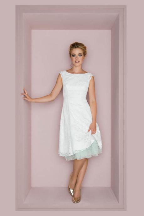 Kurzes Petticoat-Brautkleid mit Flügelarm – Lucy