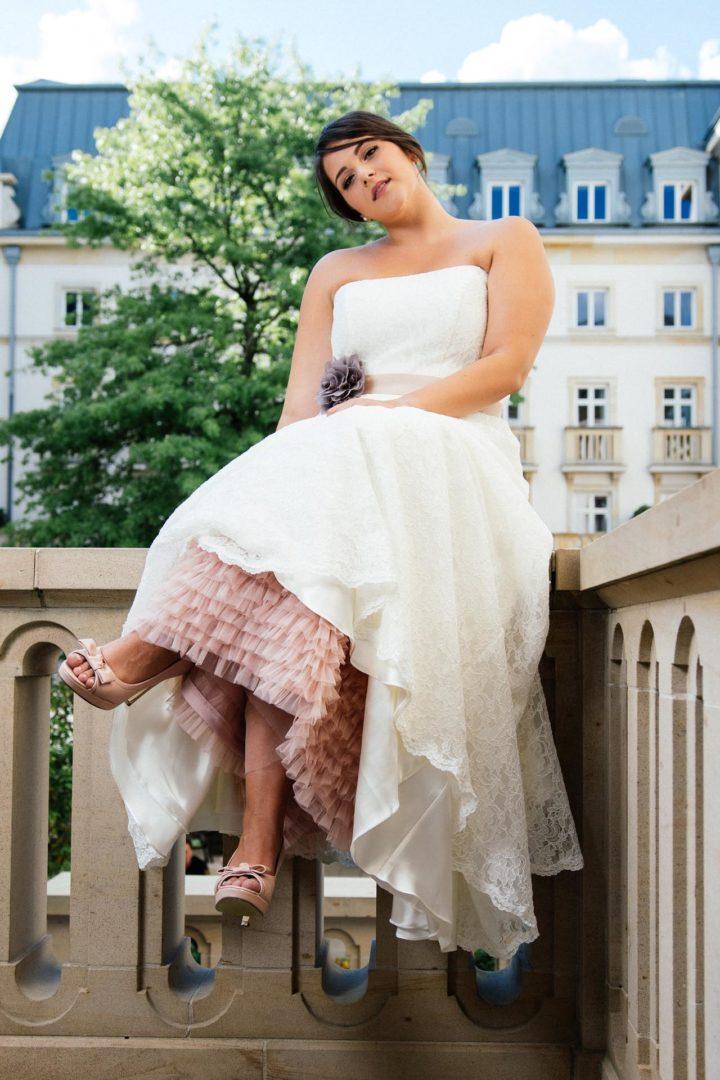 Plus Size Brautkleid aus Spitze mit Petticoat
