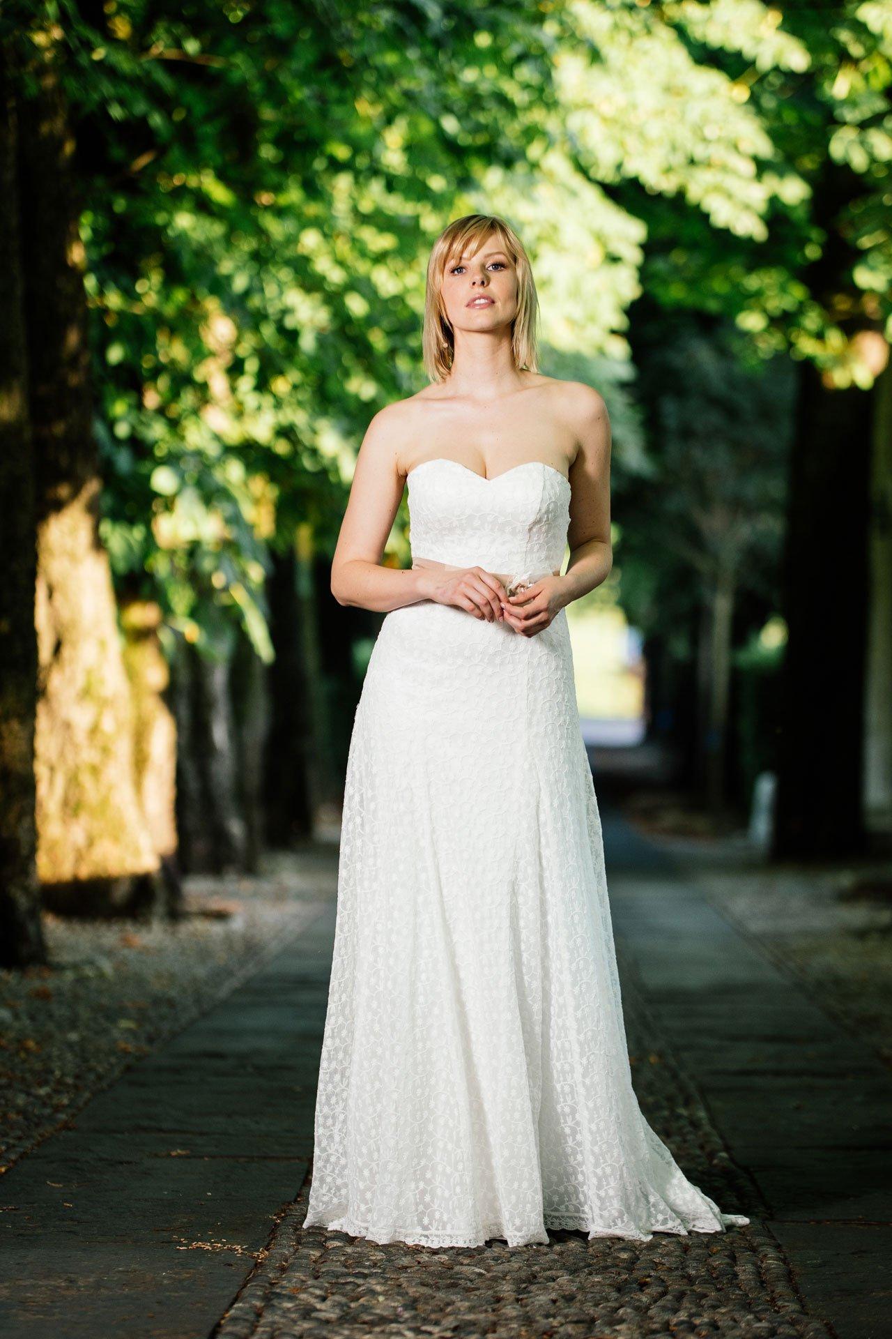 Brautkleid Herzausschnitt – figurschmeichelndes Corsagenkleid mit