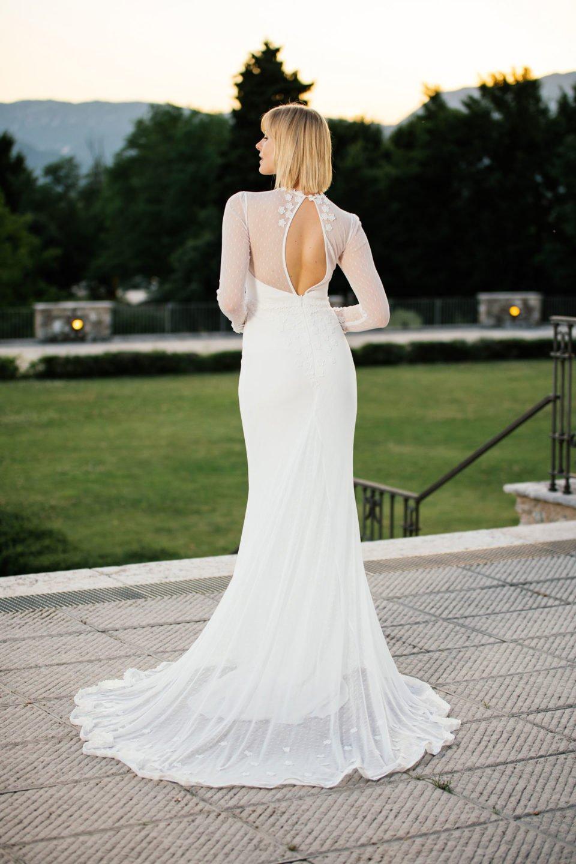 Brautkleid mit außergewöhnlichem Rücken