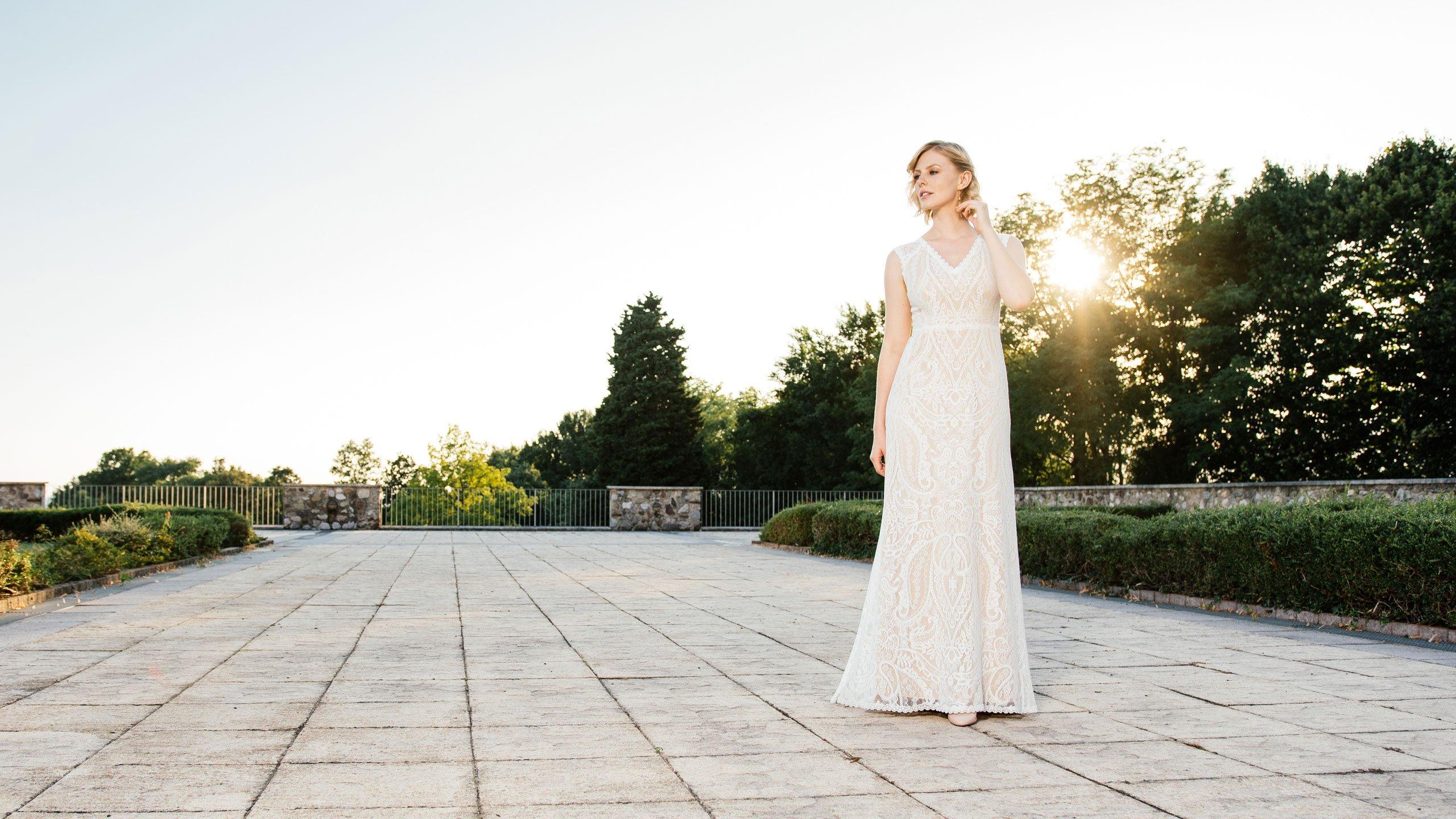 Brautkleid Nude im Sonnenuntergang