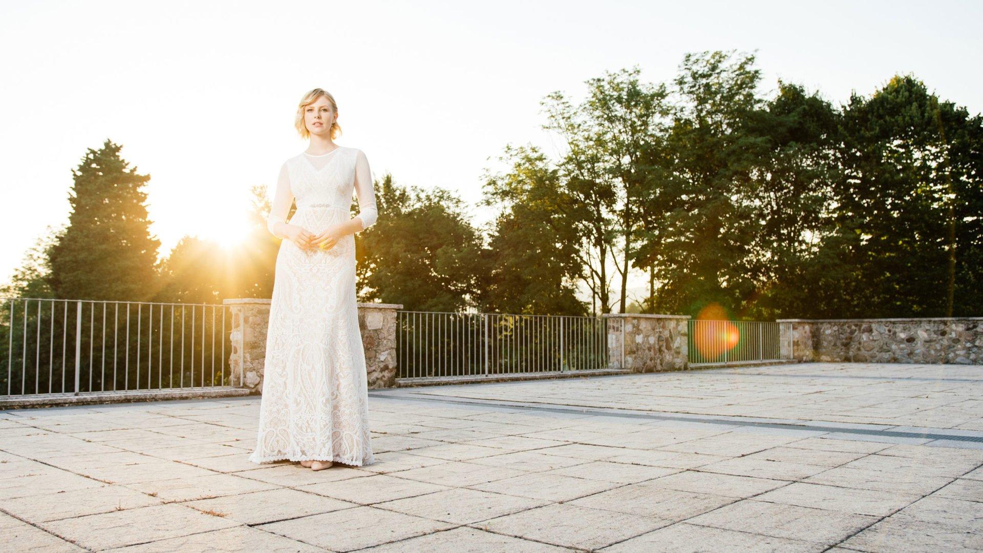 Brautkleid Nude – mit Bolero Tupfentüll