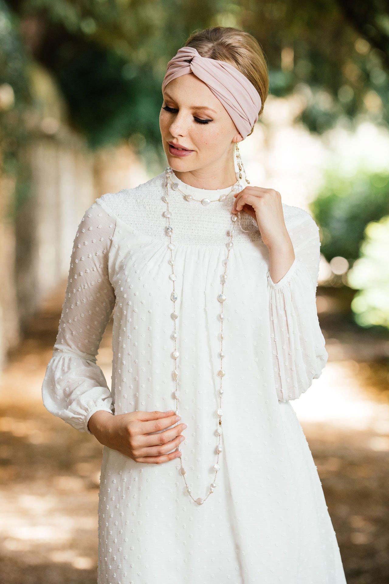 Brautkleid Standesamt Im 70er Jahre Stil In Wundervollem Tupfen Chiffon