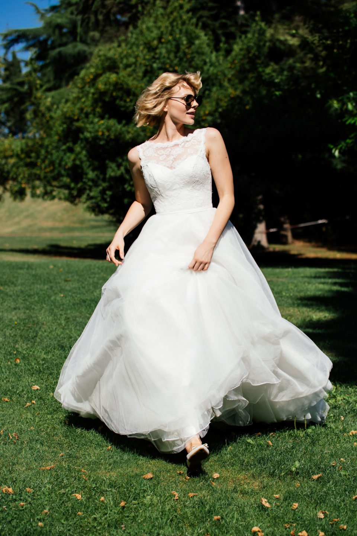 Duchesse Brautkleid im 50er Jahre Stil perfekt zum Rennen