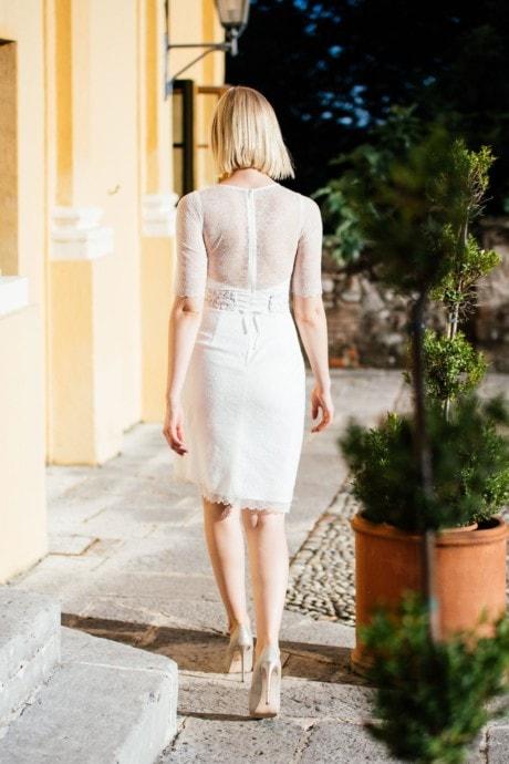 Etuikleid Hochzeit – transparente Spitze mit Ärmel – Svea