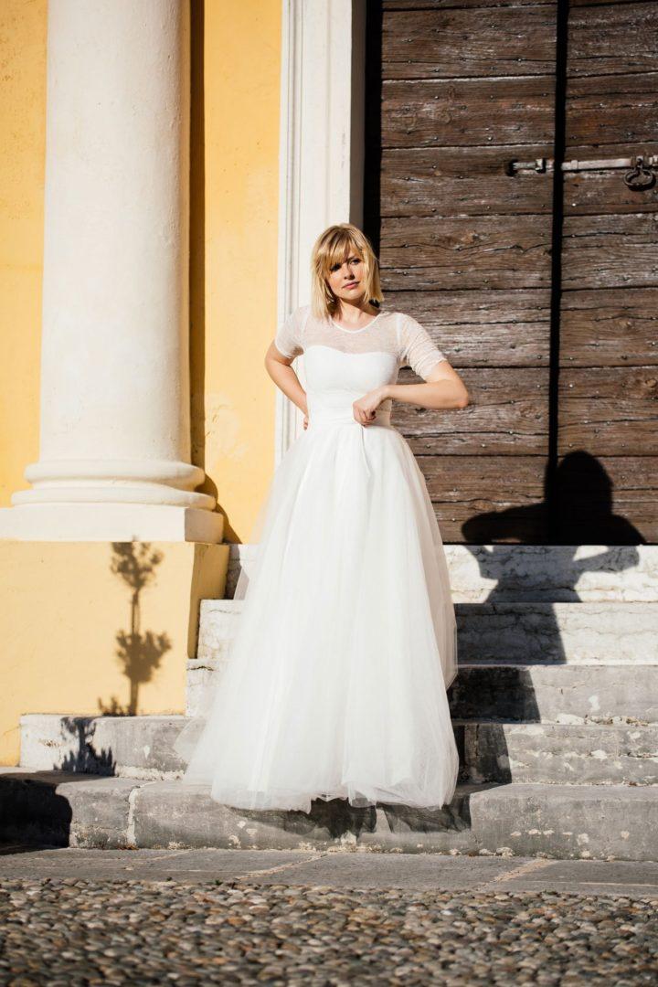 Etuikleid Hochzeit - transparente Spitze mit Ärmel und Tüllrock