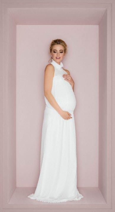 Schwangere im Boho Brautkleid