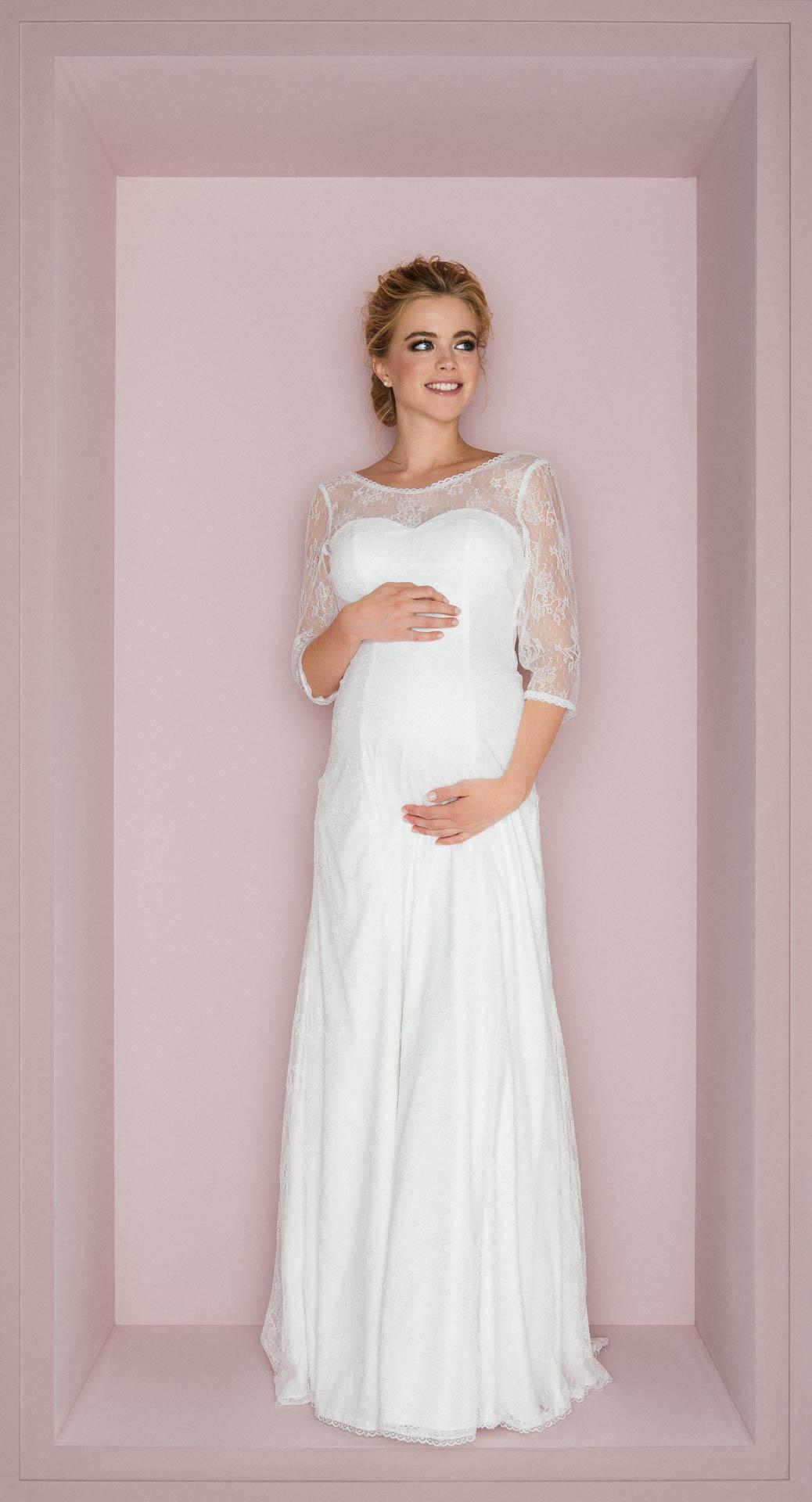 Brautkleider für Schwangere bei kuessdiebraut erleben & verlieben ♥
