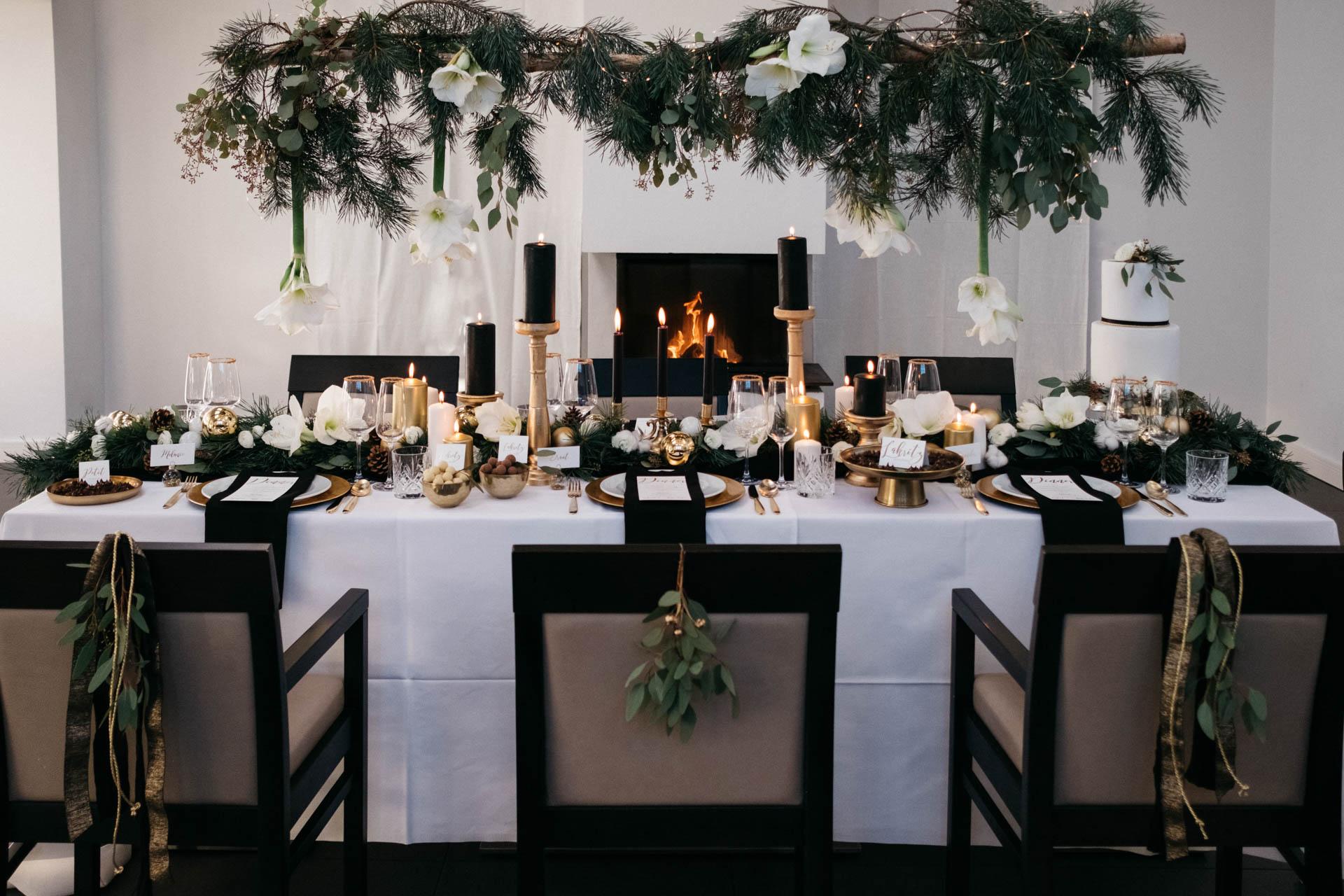 Der gedeckte Tisch zur Winterhochzeit