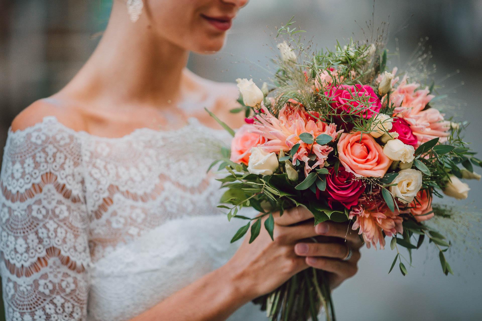 Brautstrauß und Brautbolero in Vintage Spitze
