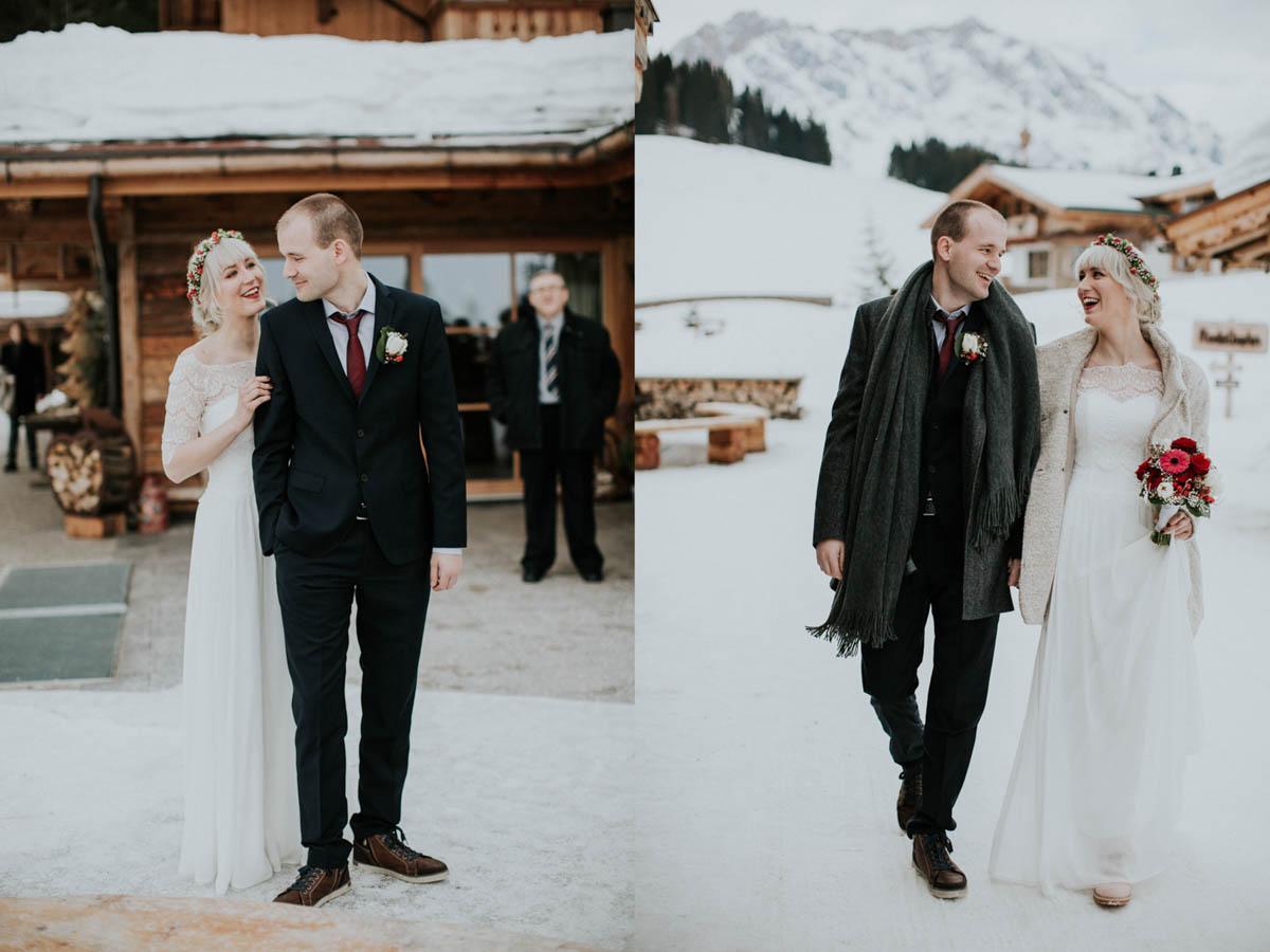 Brautpaar bei Hochzeit im Schnee