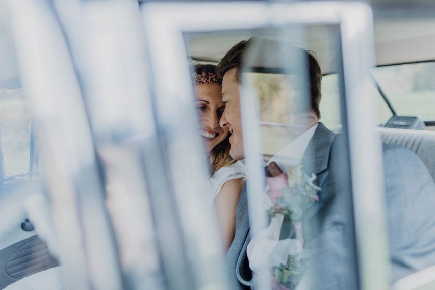 Kirchliche Trauung im Hippie Hochzeitskleid