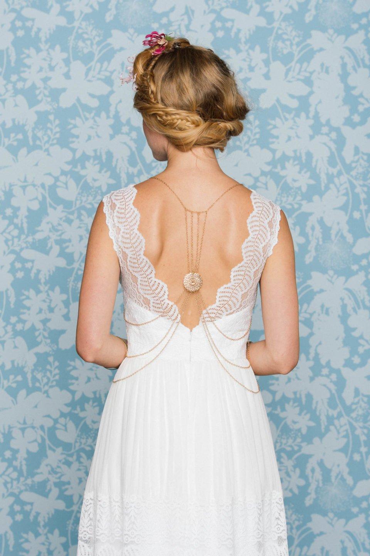 Boho Hochzeitskleid mit Rückenkette
