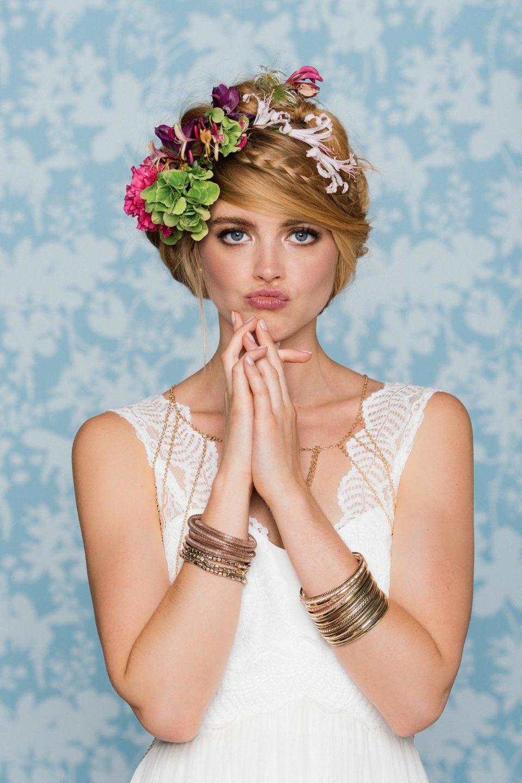 Boho Brautkleid mit Boho Haarkranz