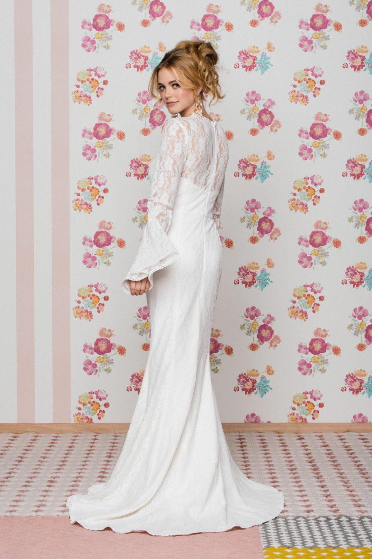 Brautkleid Langarm mit Schleppe von hinten