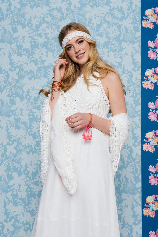 Neckholder Brautkleid mit Ibiza Tuch kombiniert