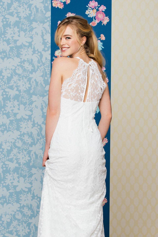 Figurbetontes Brautkleid mit Rückenschlitz
