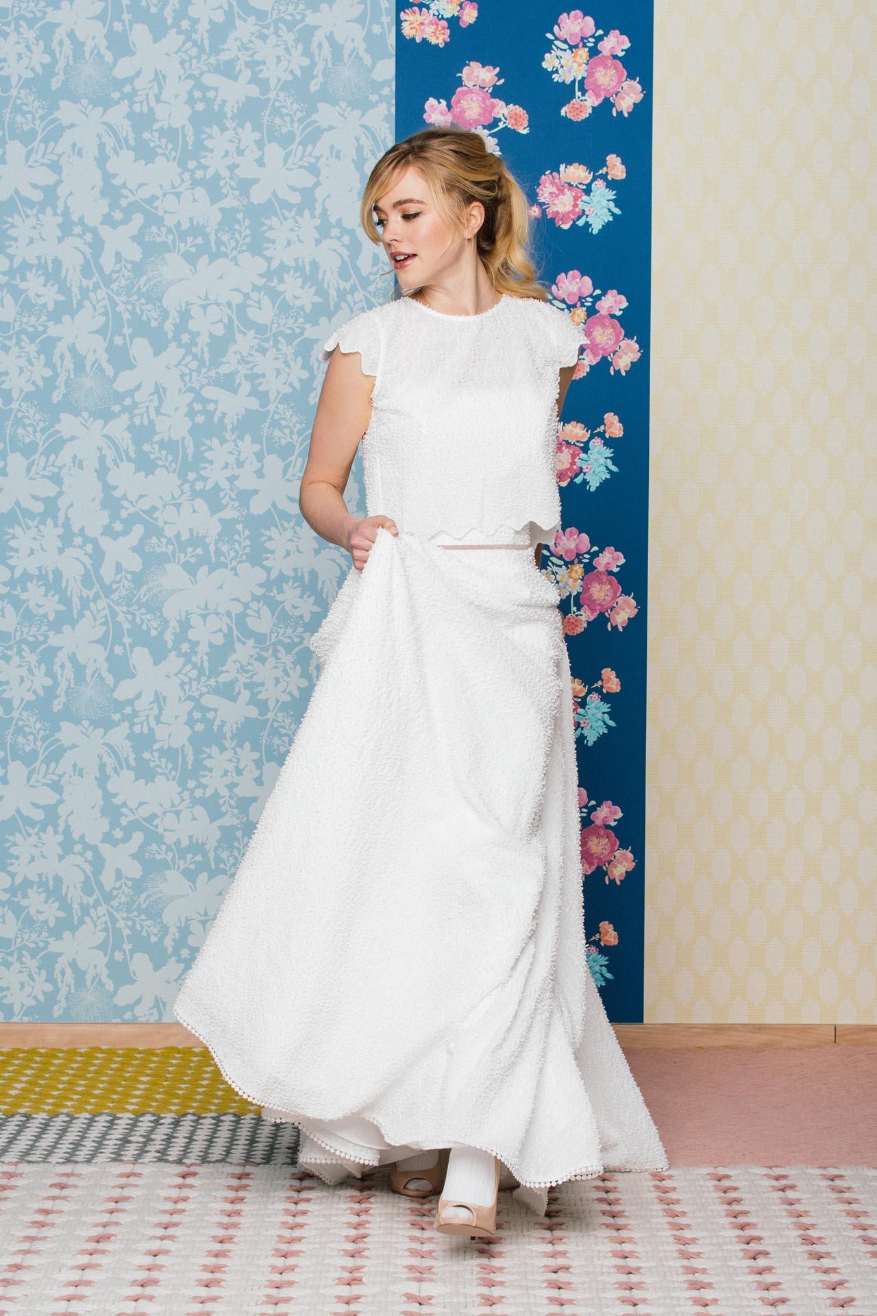 Trägerloses Hochzeitskleid mit besonderer Kügelchenspitze, Corsage ...