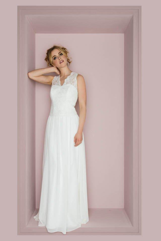 Vintage Hochzeitskleid mit Spitzenträgern & tollem Rücken – Priska
