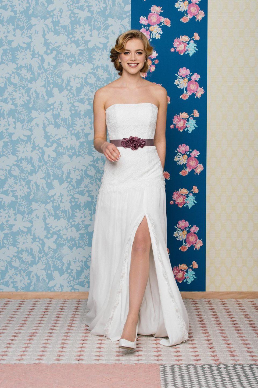 Sexy Brautkleid mit Beinschlitz