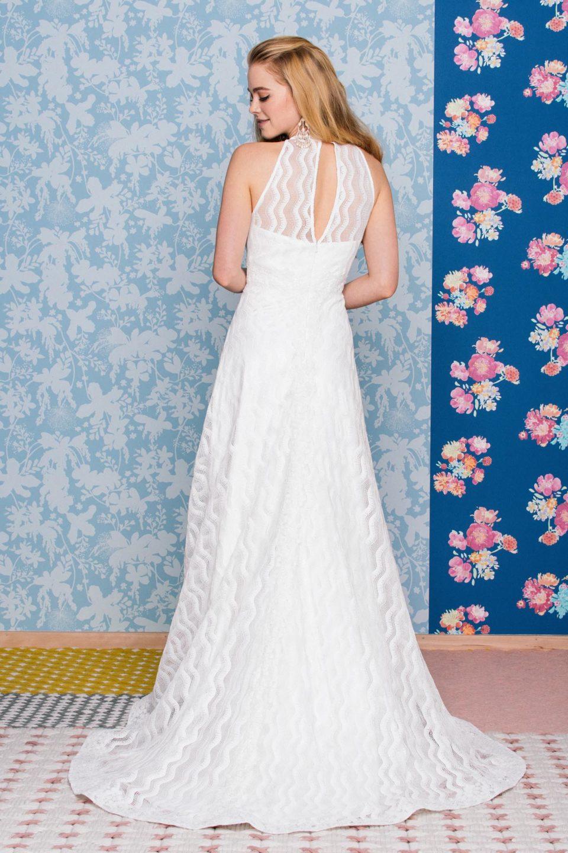 17er Jahre Brautkleid mit grafischen Wellen und Rückenschlitz
