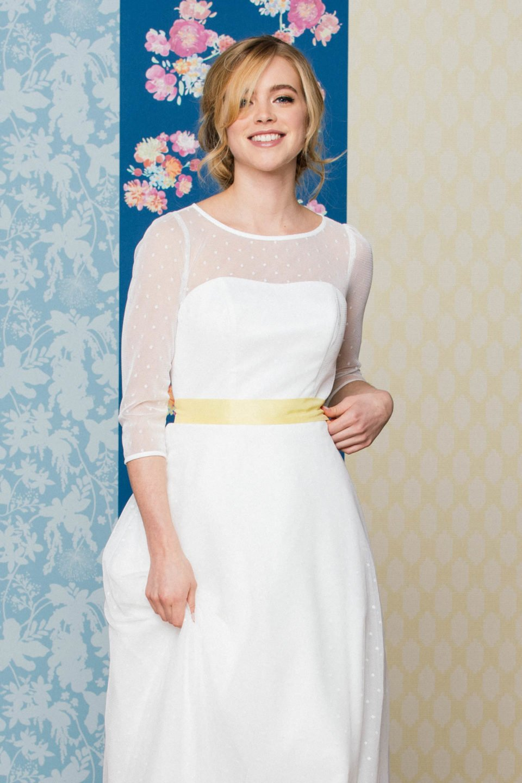 Rockabilly Brautkleid mit langem Tupfenrock