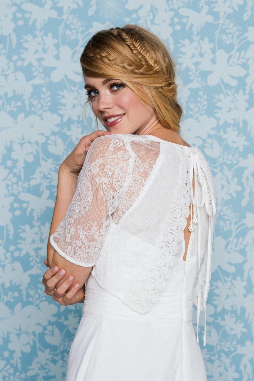 Schlichtes Brautkleid mit Bolero