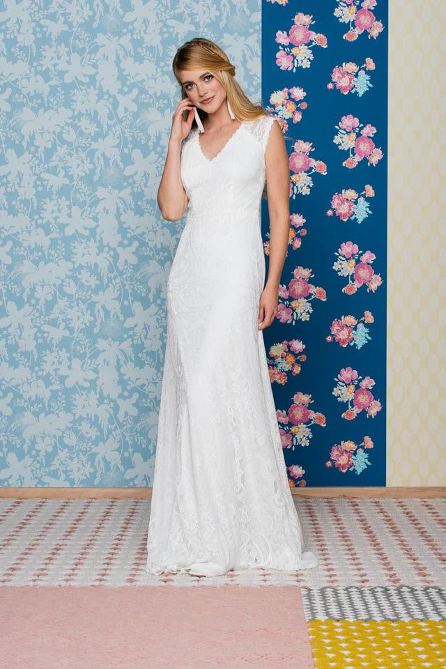 Brautkleid rückenfrei mit V-Ausschnitt – Liv in Pearl