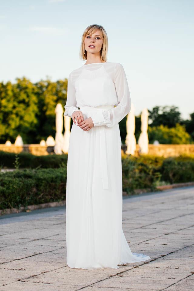 schlichtes Brautkleid – schmal und clean mit Schleppe – Fina
