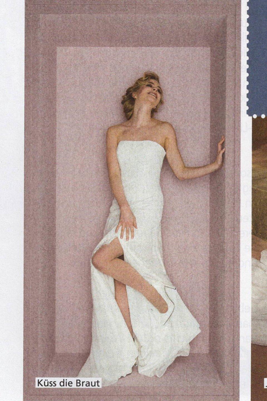 Brautkleid mit Schlitz im Hochzeitsmagazin Hochzeitsplaner